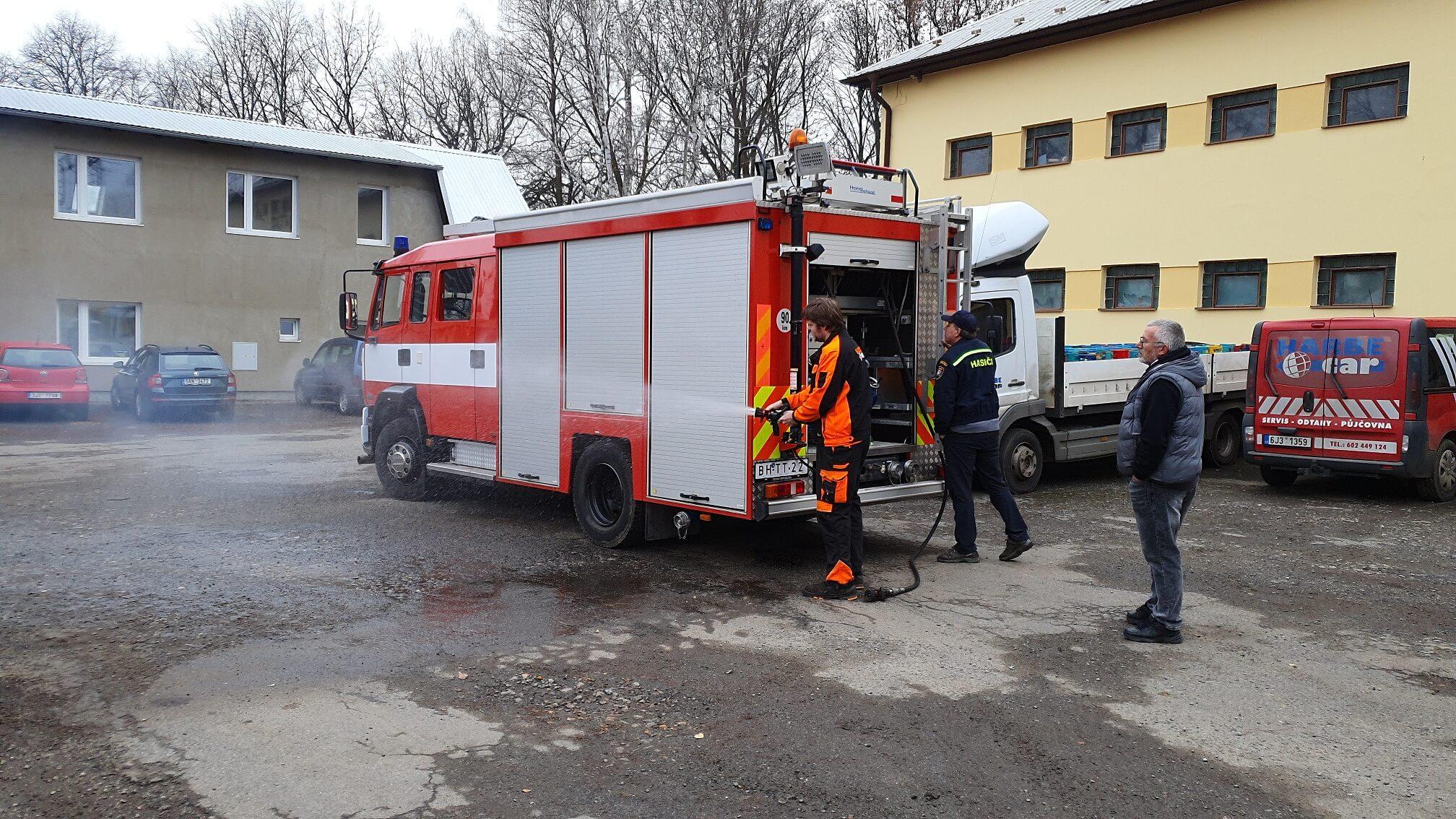 Odovzdali sme veliteľské vozidlo hasičom obce Červené Pečky