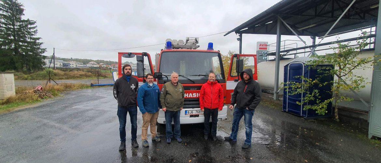 Odovzdanie vozidla hasičom – obec Přestavlky